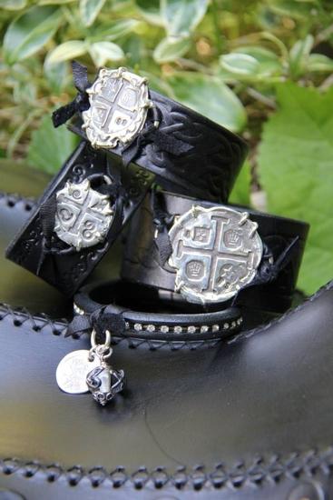 Calypso Cuffs
